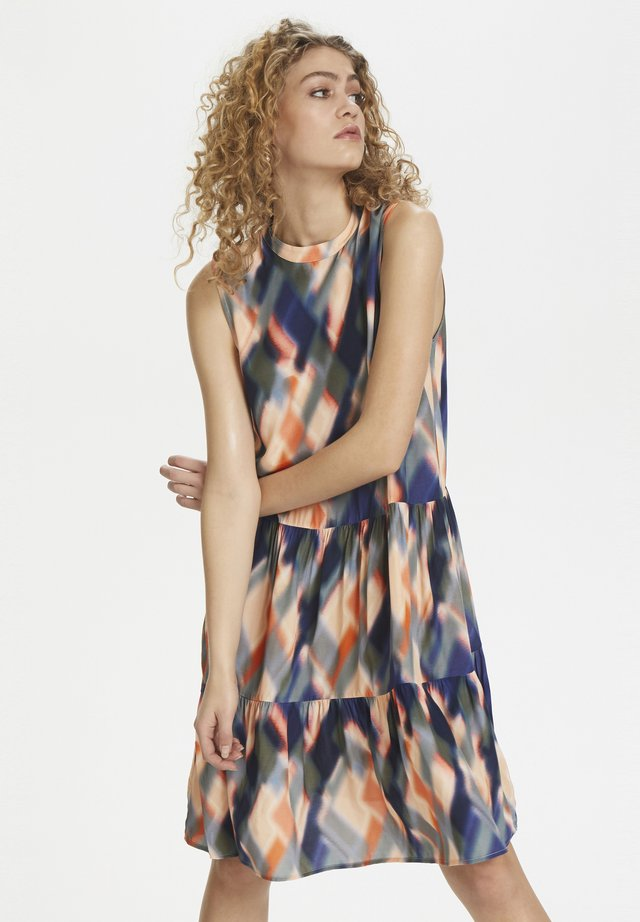MAYLA - Day dress - coral sands