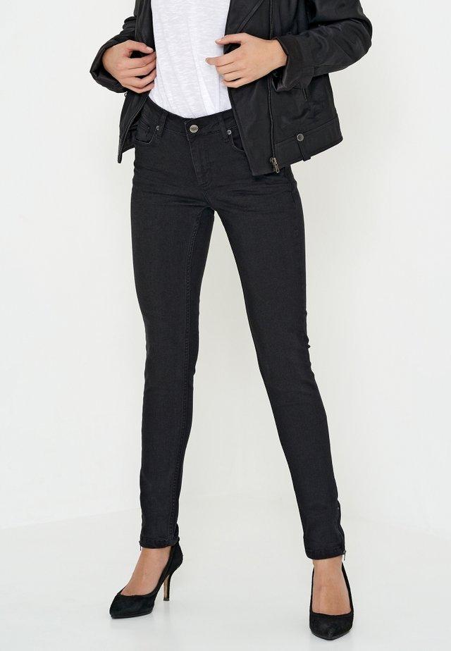 CELINA - Slim fit -farkut - black washed