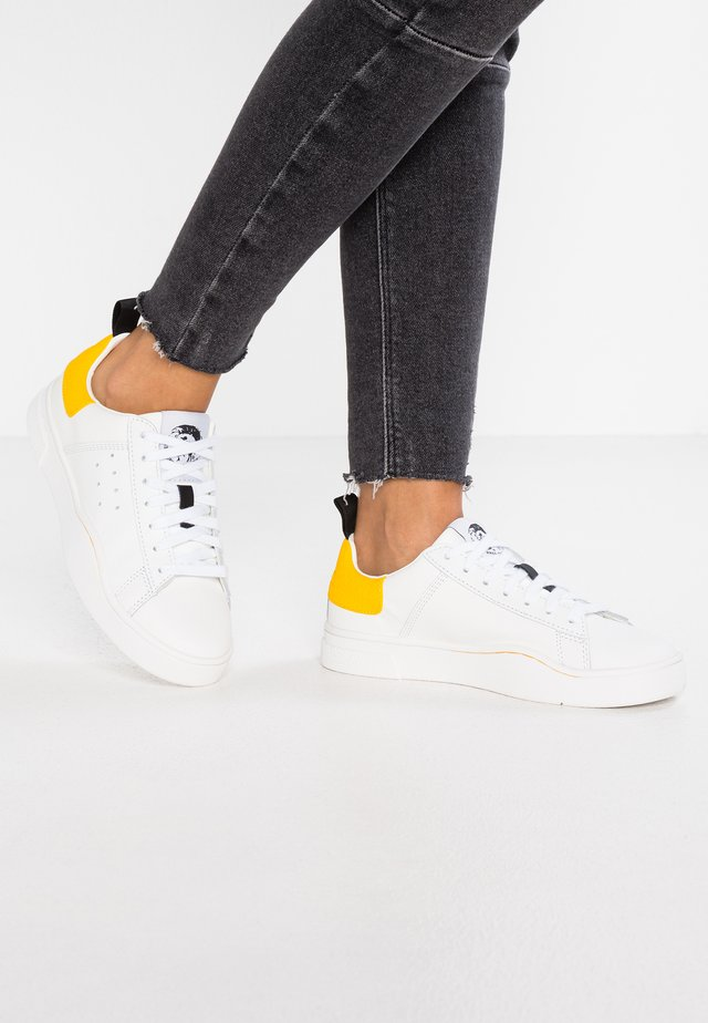 CLEVER S-CLEVER LOW W - Trainers - weiß/gelb