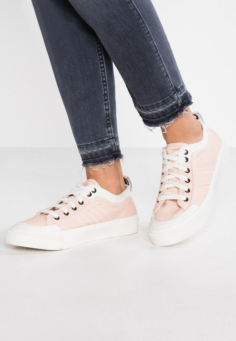 Diesel - ASTICO S-ASTICO LOW LACE W - Sneaker low - white/pink champagne