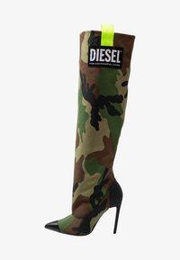 Diesel - SLANTY D-SLANTY HOTK - Kozačky na vysokém podpatku - khaki - 1