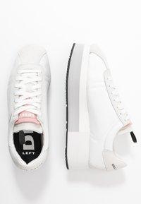 Diesel - PYAVE S-PYAVE WEDGE - Sneakersy niskie - star white/vaporous - 3