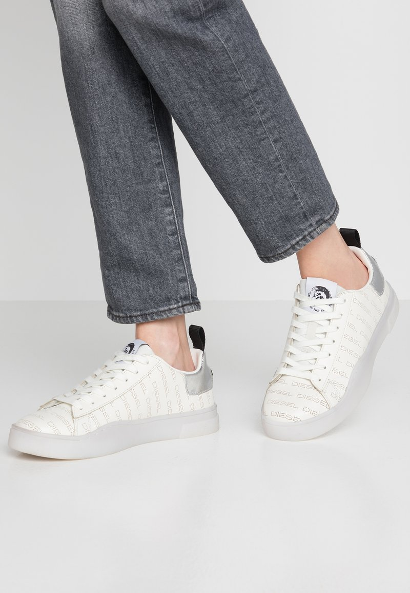Diesel - CLEVER S-CLEVER LOW LACE W - Sneaker low - star white/silver