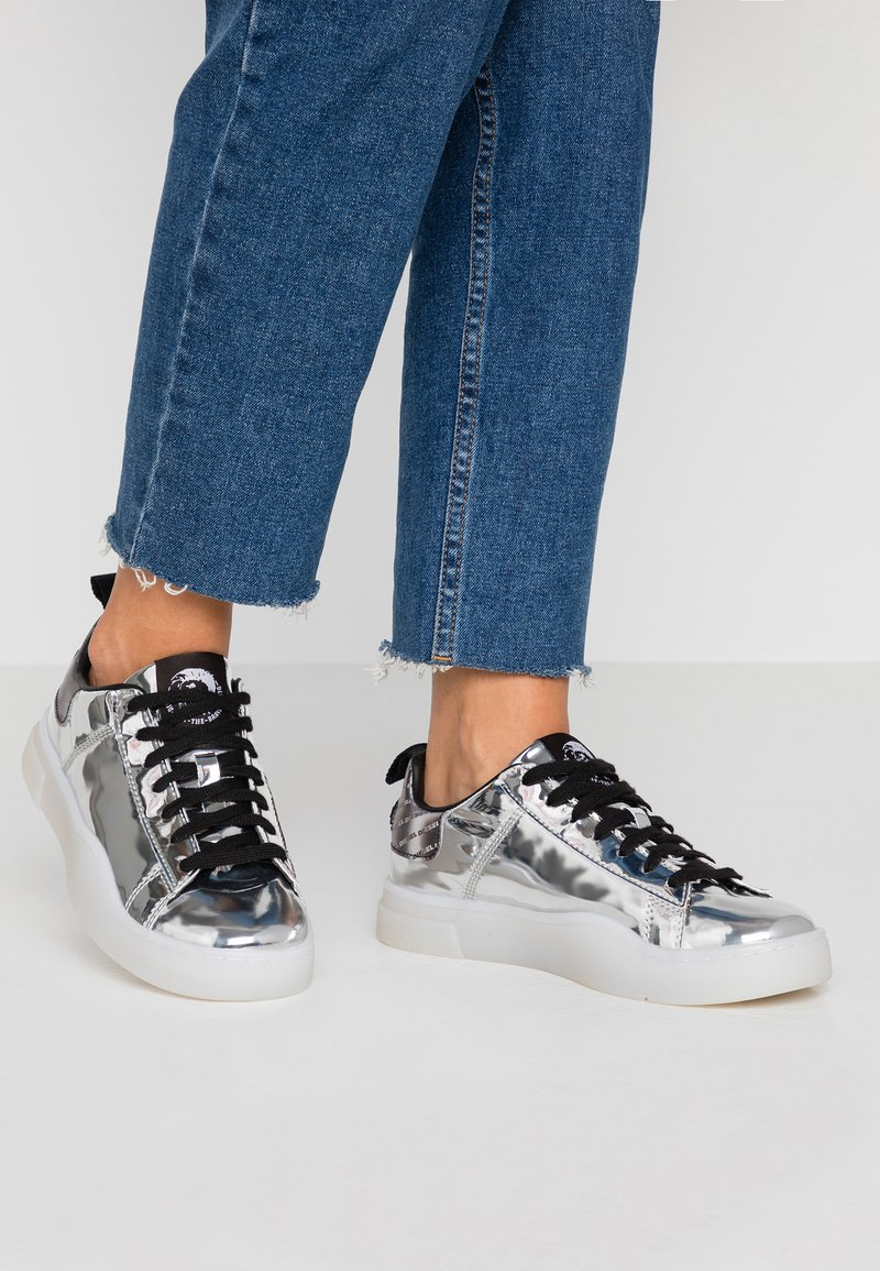 Diesel - CLEVER S-CLEVER LOW LACE W - Trainers - silver