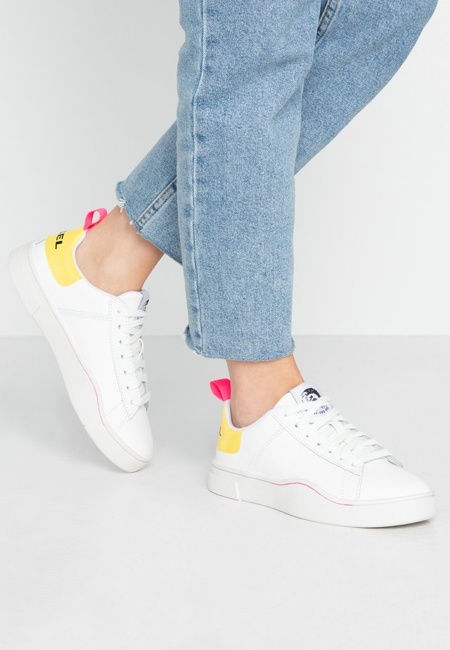 S-CLEVER LOW LACE W - Sneakers laag - white