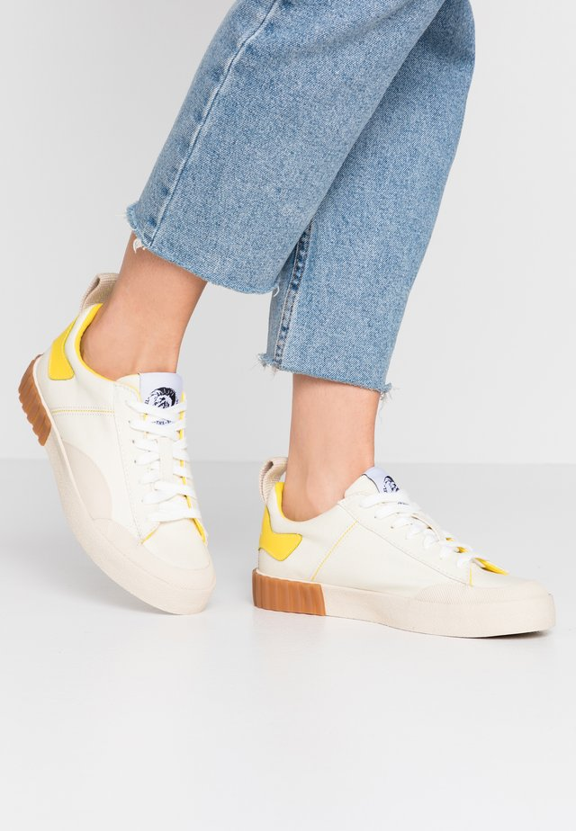 BULLY S-BULLY LC W - Sneakers basse - tofu/empire yellow