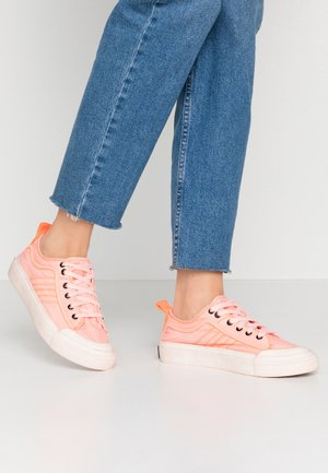 ASTICO S-ASTICO LOW LACE W - Sneakersy niskie - fluo coral
