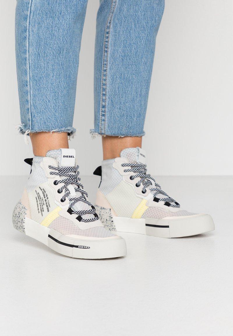 Diesel - DESE S-DESE RC MID W - Sneakers hoog - star white