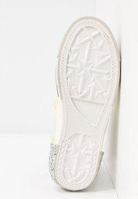 Diesel - DESE S-DESE RC MID W - Sneakers hoog - star white - 6