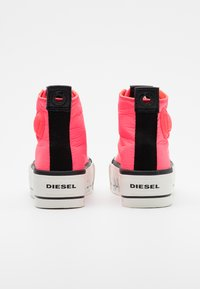 Diesel - ASTICO S-ASTICO MC WEDGE SNEAKERS - Baskets montantes - pink - 3