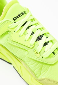 Diesel - SERENDIPITY S-SERENDIPITY LC W SNEAKERS - Baskets basses - yellow - 2