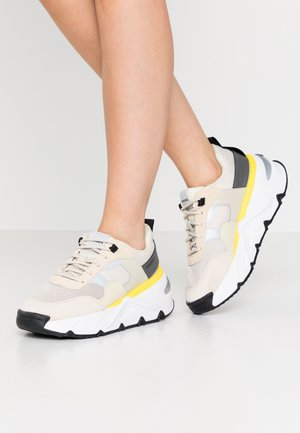 S-HERBY LOW - Sneakers laag - beige/grey/yellow
