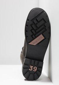 Diesel - THROUPER D-THROUPER DBB  - Šněrovací kotníkové boty - black - 6
