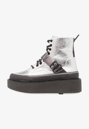 SCIROCCO H-SCIROCCO STRAP - Kotníkové boty na platformě - silver/black