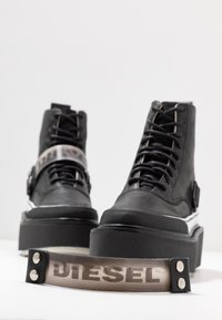 Diesel - SCIROCCO H-SCIROCCO STRAP - Kotníkové boty na platformě - black - 7