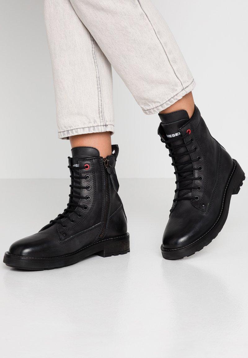 Diesel - THROUPER D-THROUPER DBB W Z - Lace-up ankle boots - black