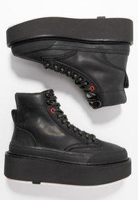 Diesel - H-SCIROCCO MID LACE - Kotníkové boty na platformě - black - 3
