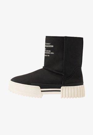 MERLEY - Kotníkové boty na platformě - black