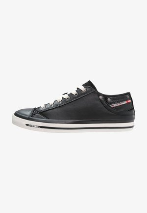 EXPOSURE LOW I - Zapatillas - black