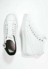 Diesel - D-STRING PLUS - Sneakers high - white - 1