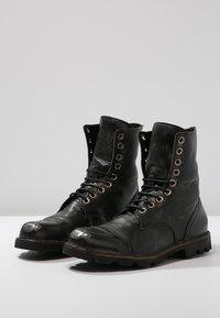 Diesel - STEEL - Šněrovací kotníkové boty - black - 2