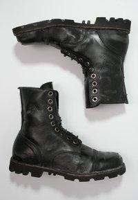 Diesel - STEEL - Šněrovací kotníkové boty - black - 1