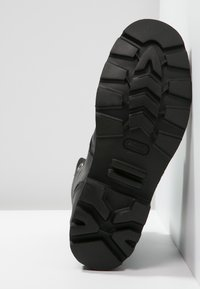 Diesel - STEEL - Šněrovací kotníkové boty - black - 4