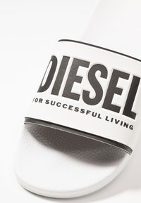 Diesel - VALLA SA-VALLA - Pantofle - white/black - 5