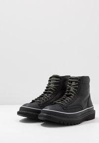 Diesel - H-SHIROKI DMBB - Šněrovací kotníkové boty - black - 2