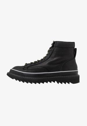 H-SHIROKI DMBB - Snørestøvletter - black