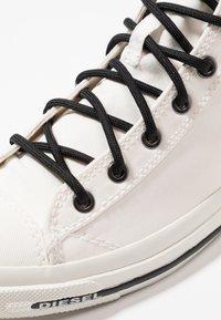 Diesel - EXPOSURE I - Sneakers hoog - star white - 6