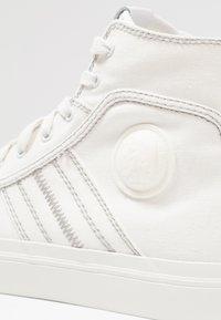 Diesel - S-ASTICO MID LACE - Sneakers hoog - weiß - 5