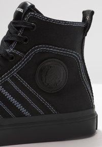 Diesel - S-ASTICO MID LACE - Sneakers alte - schwarz - 5