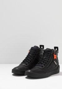 Diesel - S-DVELOWS MID - Zapatillas altas - black - 2