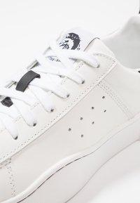 Diesel - S-CLEVER LOW - Sneakers basse - weiss/schwarz - 5