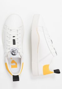 Diesel - S-CLEVER LOW - Trainers - white/lemon chrome - 1