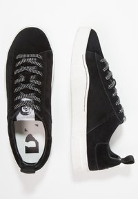 Diesel - S-CLEVER LOW - Sneakers - schwarz - 1