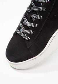 Diesel - S-CLEVER LOW - Sneakers - schwarz - 6