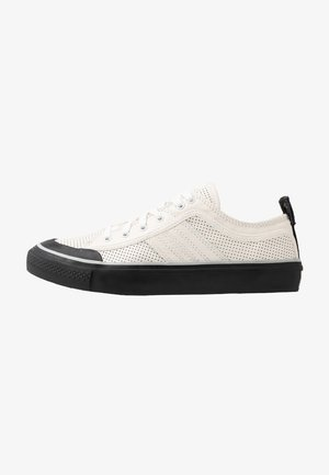 S-ASTICO LOW LOGO - Trainers - star white