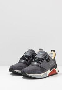 Diesel - S-BRENTHA LC - Sneakers - asphalt/steel gray - 2