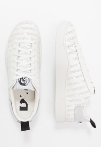 Diesel - S-CLEVER LOW LACE - Tenisky - star white/silver - 1