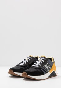 Diesel - S-BRENTHA FLOW - Trainers - iron gate/black/golden - 2