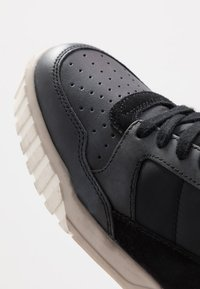 Diesel - S-RUA LOW90 - Sneakers - black/castle rock - 5