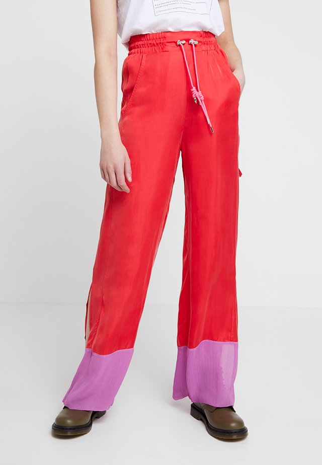 P-LILLY-A TROUSERS - Trainingsbroek - red