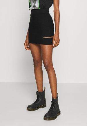 SLAND SKIRT - Pouzdrová sukně - black