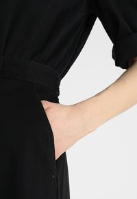 Diesel - DE-ISABELA DRESS - Maxiklänning - schwarz - 6