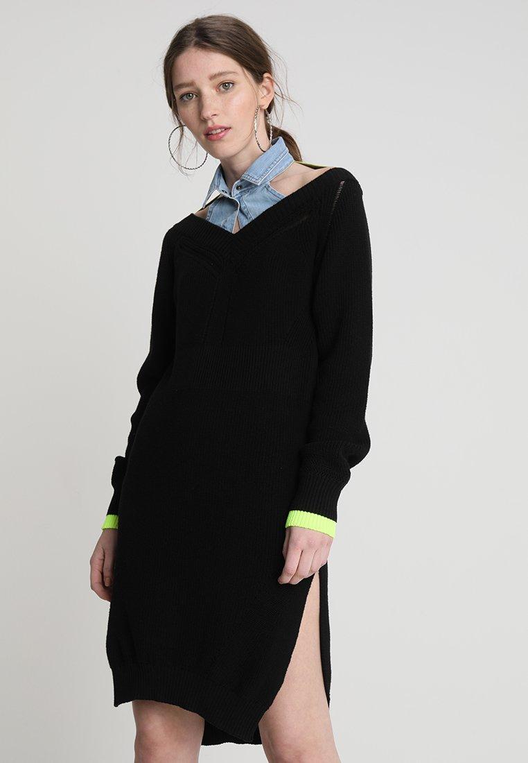 Diesel - M-COEZ DRESS - Pletené šaty - black