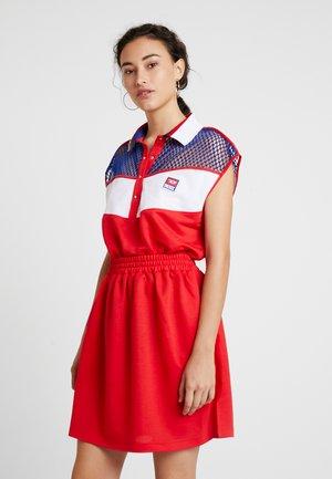 D-REIA DRESS - Jerseyklänning - red/blue/white