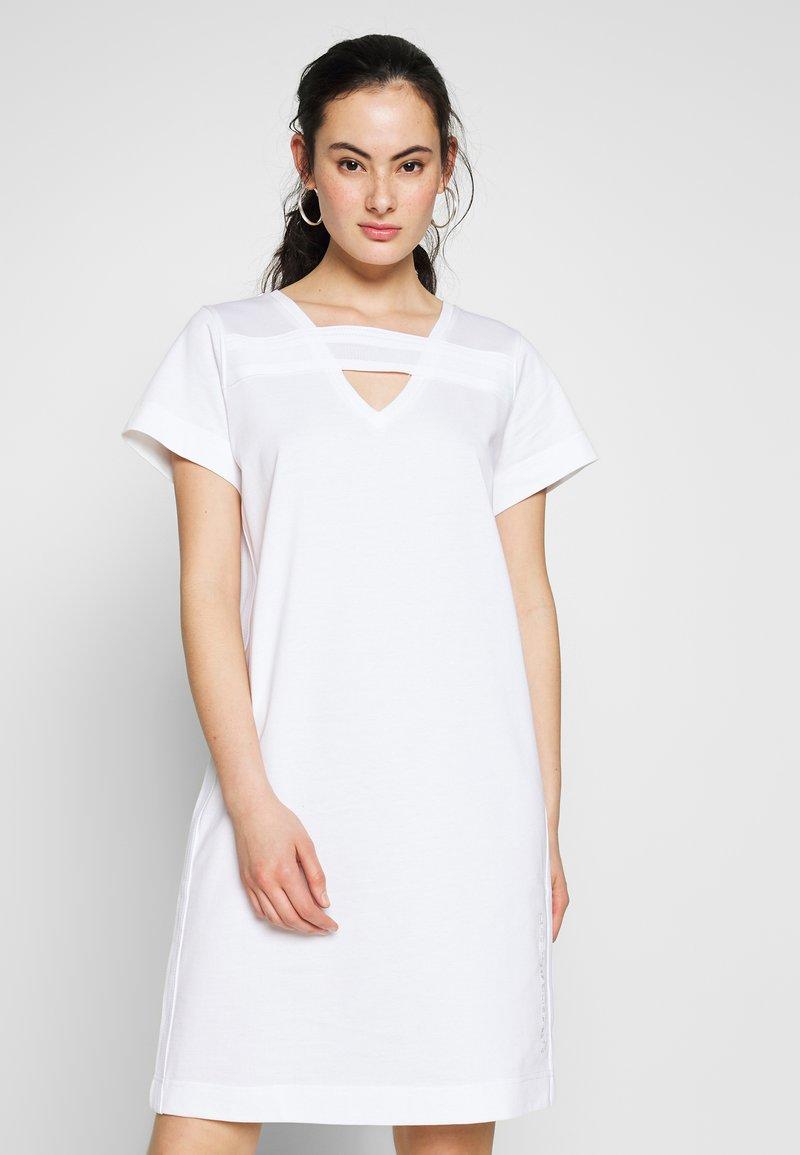 Diesel - D-STRIPE DRESS - Žerzejové šaty - white