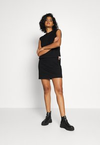Diesel - HATTER DRESS - Žerzejové šaty - black - 1